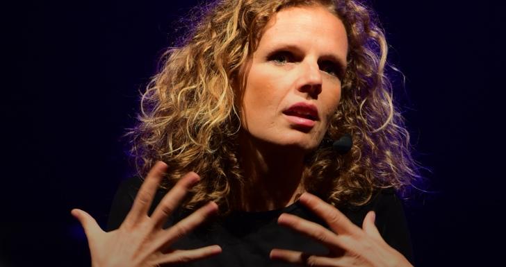Marta Gautier conversas sérias